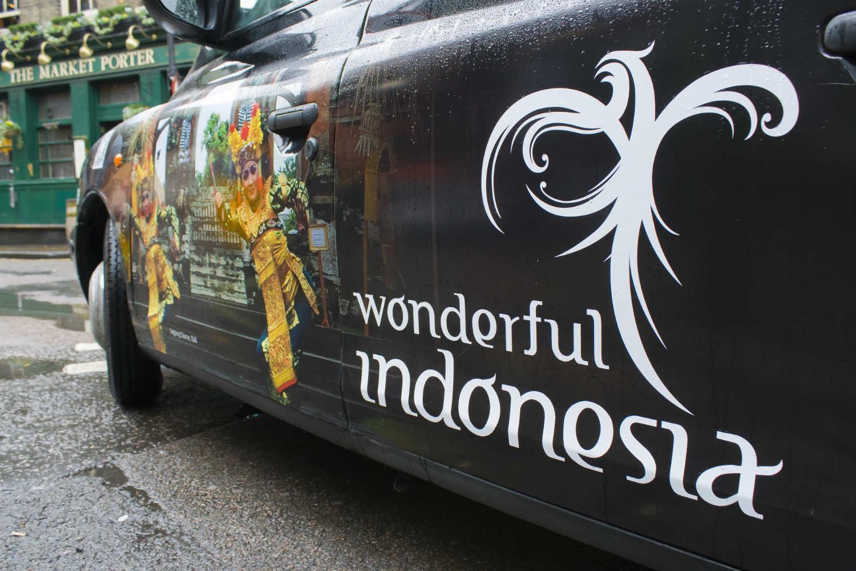 Taxi di Marseille Gunakan Brand Wonderful Indonesia
