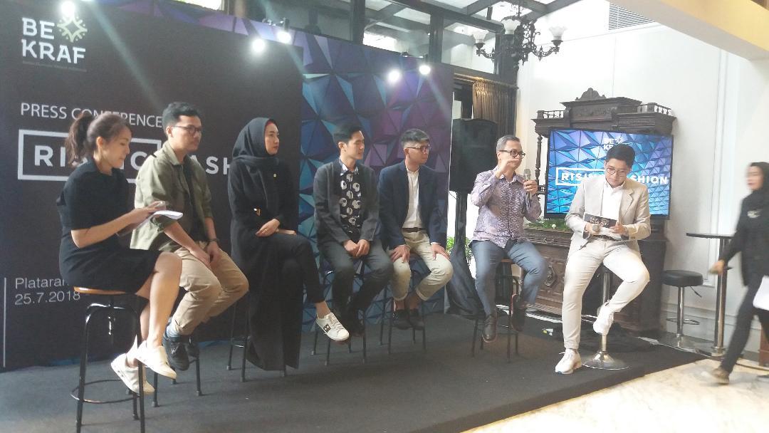 14 Jewana Lokal Hadir di Rising Fashion Singapura